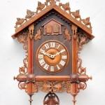 Професійний ремонт годинників зозуля і годинника з боєм
